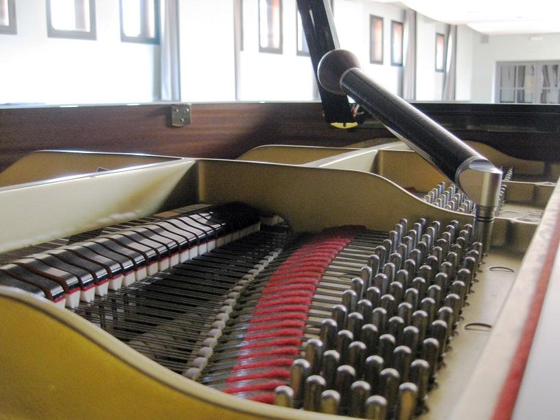 Piano afinar afinando afinant tuning tune subida de tono pitch raise