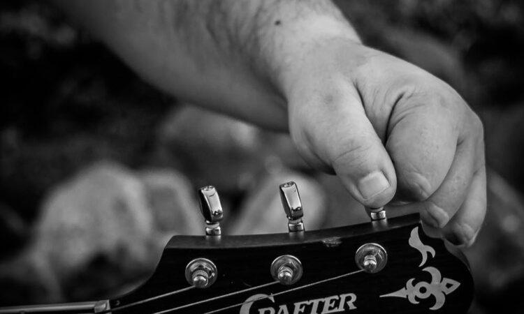 afinar guitarra de oido